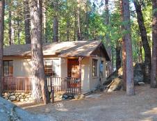 Bassett Cedar Rock Cabin, 2